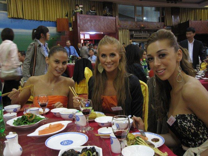 Kalo Jennifer ismerkedik a kínai konyhával