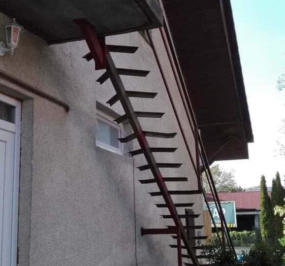 Impozáns designú kovácsoltvas lépcső